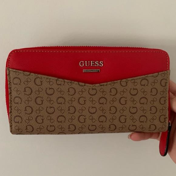Guess Handbags - Guess LA clutch / wallet